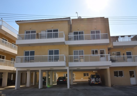 Two-Bedroom Apartment (No.13) in Kissonerga, Paphos