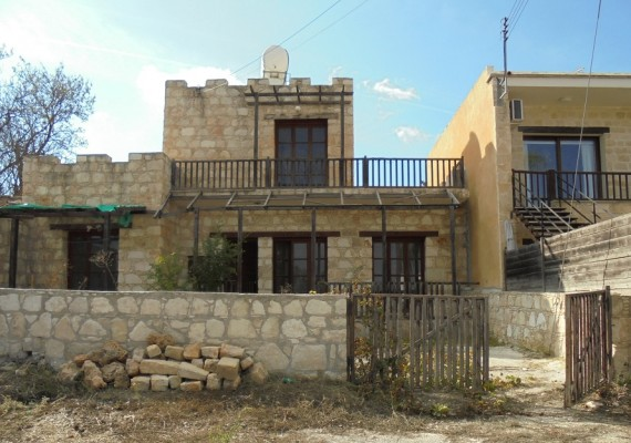 Three-Bedroom House in Stroumbi, Paphos