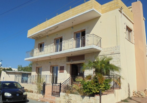 Four-Bedroom House in Mesogi, Paphos